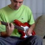 Guitarra Strato Canhota Som Limpo e com Fuzz