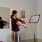 Aula de violino da Carolina
